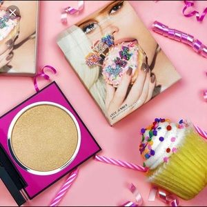 Kylie Cosmetics Champagne Showers Highlighter